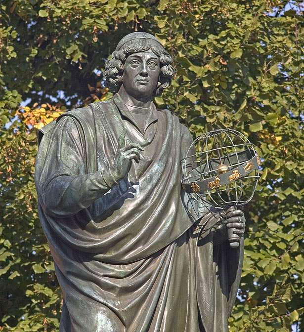 Nicolaus Copernicus - Memorial to Nicholas Copernicus in his home town - Toruń/Poland (15×16)