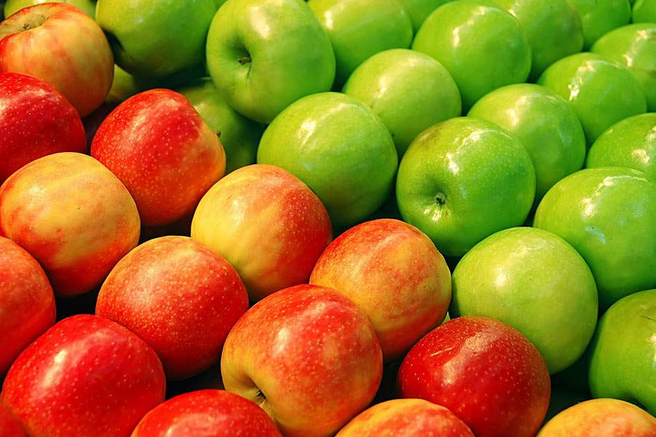Apples - red and green, tasty fruits (13×8)