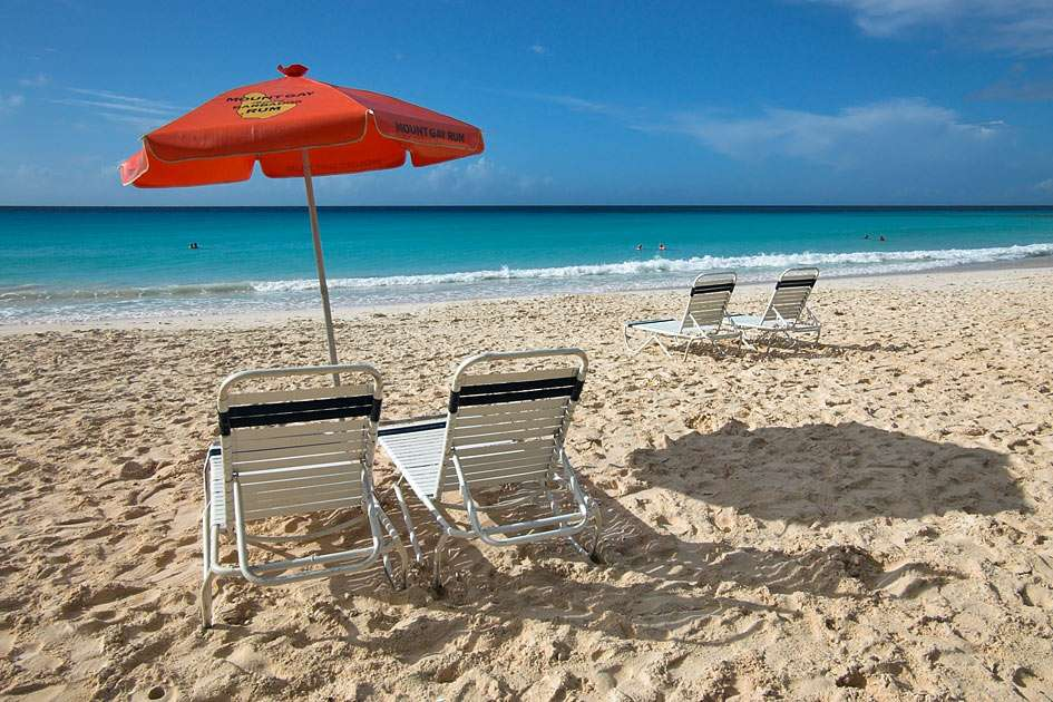 Rockley Beach - Barbados - Also known as Accra Beach, this very popular south coast beach offers a combination of exciting waves and calm swimming. Relax on the soft white sand (7×5)