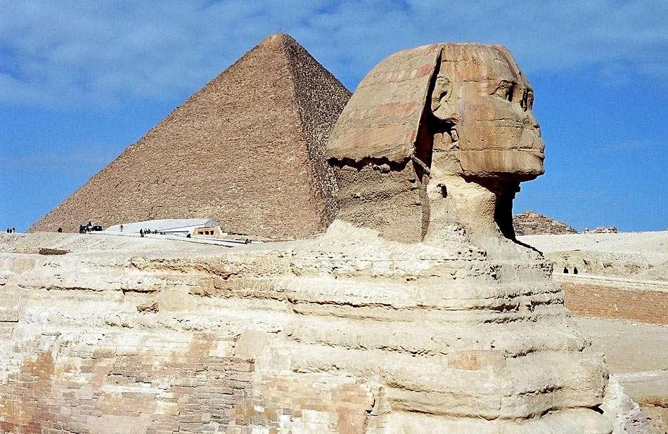 Μεγάλη Σφίγγα της Γκίζας - Αίγυπτος - Η Μεγάλη Σφίγγα της Γκίζας είναι ένα μεγάλο άγαλμα μισού ανθρώπου, μισό λιοντάρι Σφίγγας στην Αίγυπτο κοντά σ (10×6)