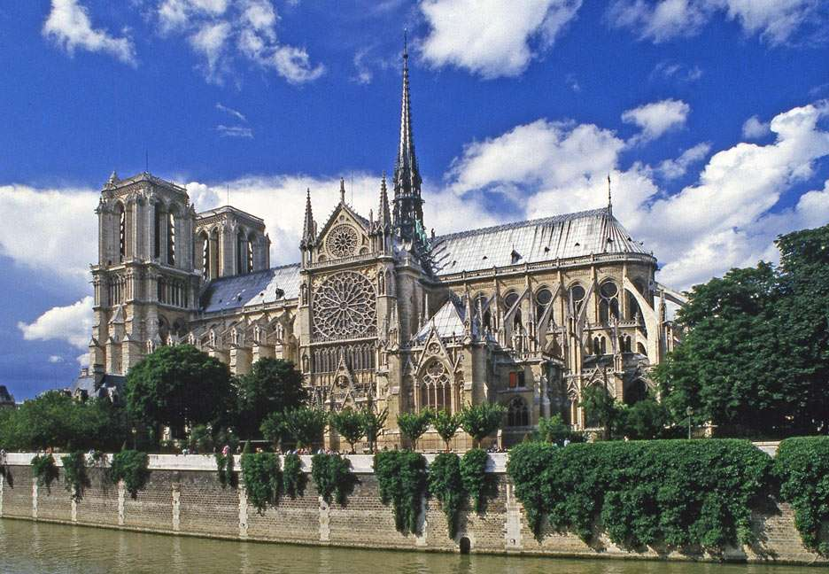 Notre Dame de Paris - Notre Dame de Paris is a Gothic cathedral on the eastern half of the Île de la Cité in Paris (France). Construction of Notre-Dame began in 1163. The cathedral was completed roughly 200 years later i (13×9)