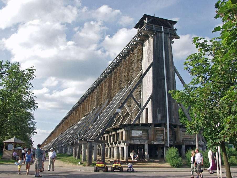 Дипломни кули в Ciechocinek - Дипломни кули в Цехоцинек (Полша) - уникална и най-голямата в Европа дървена конструкция за изпаряване на вода (8×6)