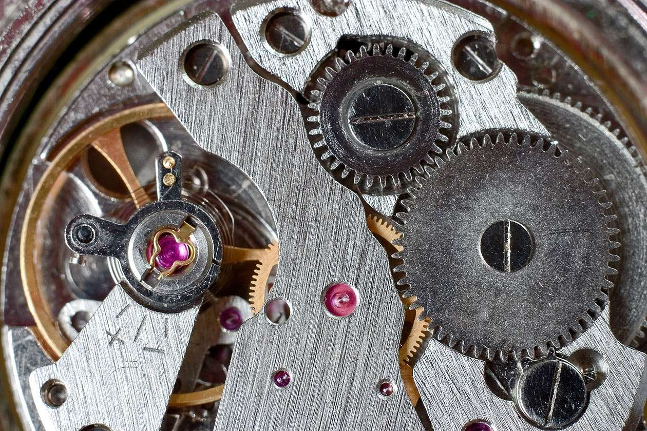 Time mechanism - A clock is an instrument for measuring time. First mechanical clock came from China and was built in VIII century. First watch (pocket clock) was constructed about year 1600. Today atomic clocks are t (12×8)