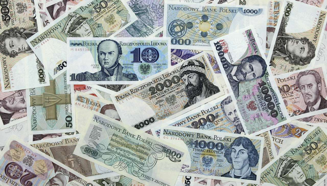 Old Polish Banknotes (1975-1996) - Paper currency used in Poland after year 1975. The first proper European banknotes were issued by Bank of Sweden in 1660 (26×15)