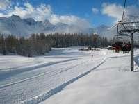 Skibaan in Italiaanse Alpen