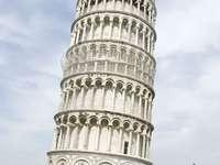 Torre inclinada de Pisa (Italia)