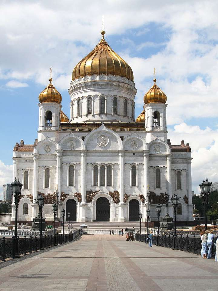 Cathedral of Christ the Saviour (Moscow) - The Cathedral of Christ the Saviour is the tallest Church in Russia. It is situated in Moscow, not far from the Kremlin. The church has a long history. The construction was begun in 1817. It was compl (6×8)
