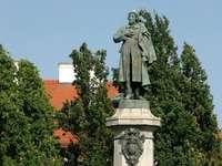 Mickiewicz emlékmű Varsóban (Lengyelország)