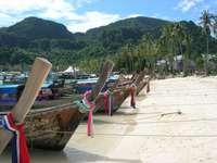 Boten op Ko Phi Phi Don (Thailand)
