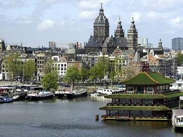 Restaurant on water (Holland)