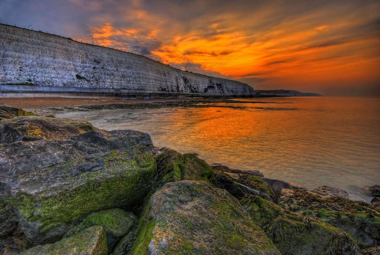 Morning over the English Channel (United Kingdom) - The coast just before the sunrise close to the town of Brighton. Brighton is a town on the English county of East Sussex, by the English Channel. The morning view is breathtaking. However, to see it o (12×8)