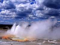 Geiseruitbarsting in het Yellowstone Park (VS)