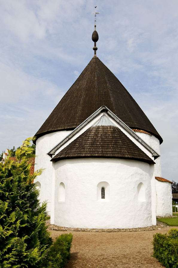 New Church in Nyker (Denmark) - New Church (Ny Kirke) has got a shape of a rotunda and is located in the village of Nyker on the island of Bornholm. The temple was built at the turn of 12th and 13th centuries (it is the youngest rot (5×7)
