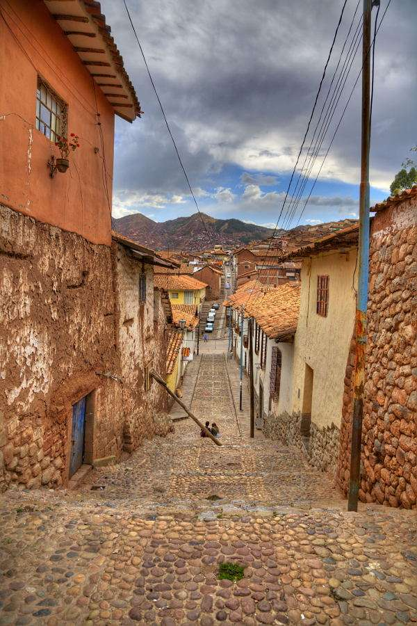 Small street in Cusco (Peru) - Cusco is a Peruvian city, located in the south of the country at the height of over 3000m. The city was established by the Incas in 12th century. Throughout centuries Cusco has been extended. Today th (8×12)