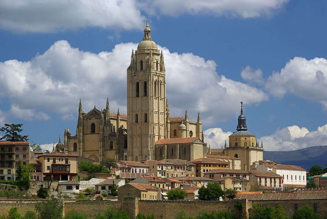 """Cathedral in Segovia (Spain) - The cathedral in the Spanish town of Segovia is considered to be a pearl of the eclectic architecture (it is called the """"Dame of Cathedrals""""). The temple is located at the Plaza Mayor – the main (9×6)"""