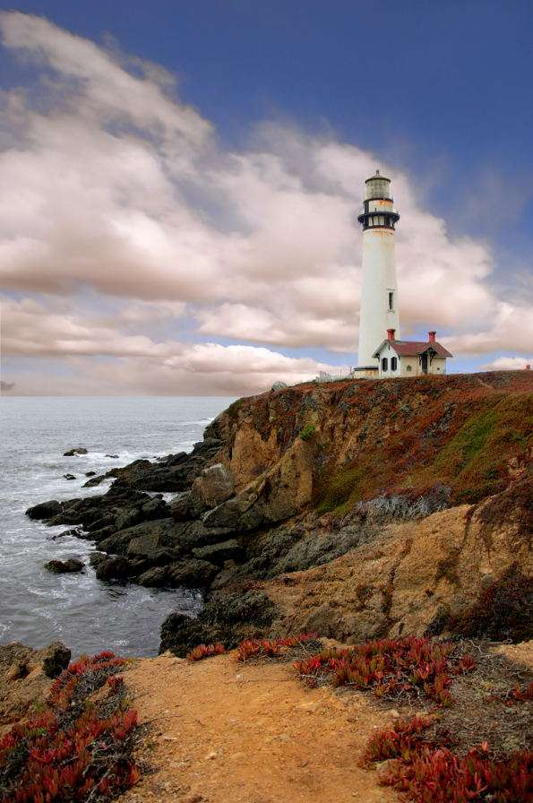 Pigeon lighthouse in California (USA) - Pigeon lighthouse is located at the coast of the Pacific Ocean near the town of Pescadero in California. The construction was erected in 1871, a few year after the ship Carrier Pigeon sank there (henc (5×7)