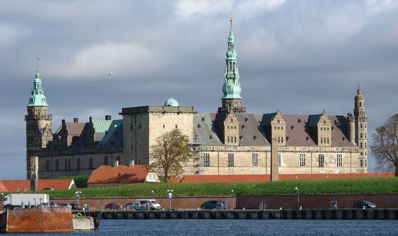 Kronborg Castle in Helsingør (Denmark) - A magnificent 15th century edifice is one of the most important tourist attractions of Denmark. In the past it used to be a royal residence, military garrison, and even a prison. The Kronborg Castle i (7×5)