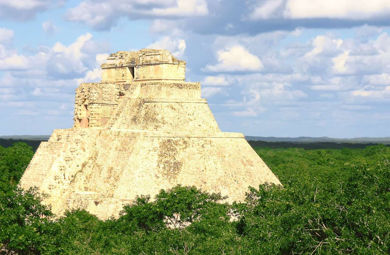 Ancient Maya ruins in Tulum (Mexico) online puzzle