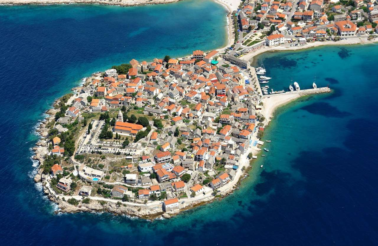 Primosten (Croatia) - Primosten is a town located in the south of Croatia, between the Bays of Primosten and Raduca. In the past Primosten used to be a separate island near the mainland. In 1542, during the Turkish invasio (15×10)