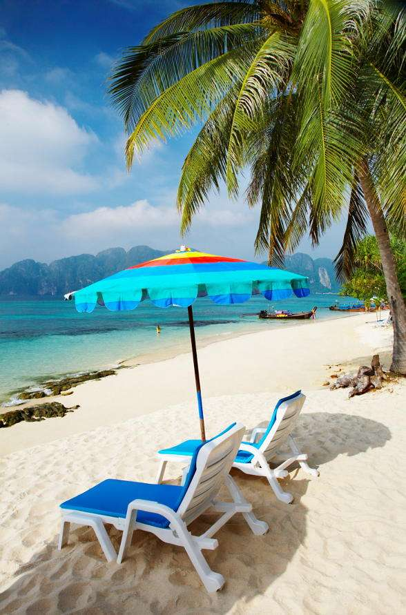 Phi-Phi Islands (Thailand) - Phi-Phi Islands belong to Thailand and they are located between the mainland and the Phuket Island. The largest is the Ko Phi Phi Don Island – it is at the same time the only permanently inhabited i (7×11)