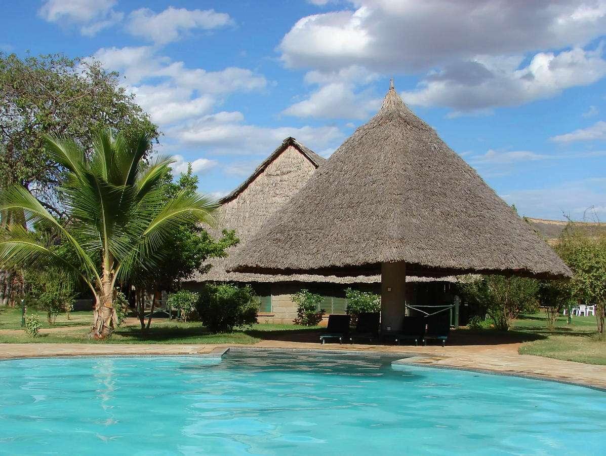 Safari lodge in Tsavo National Park (Kenya)