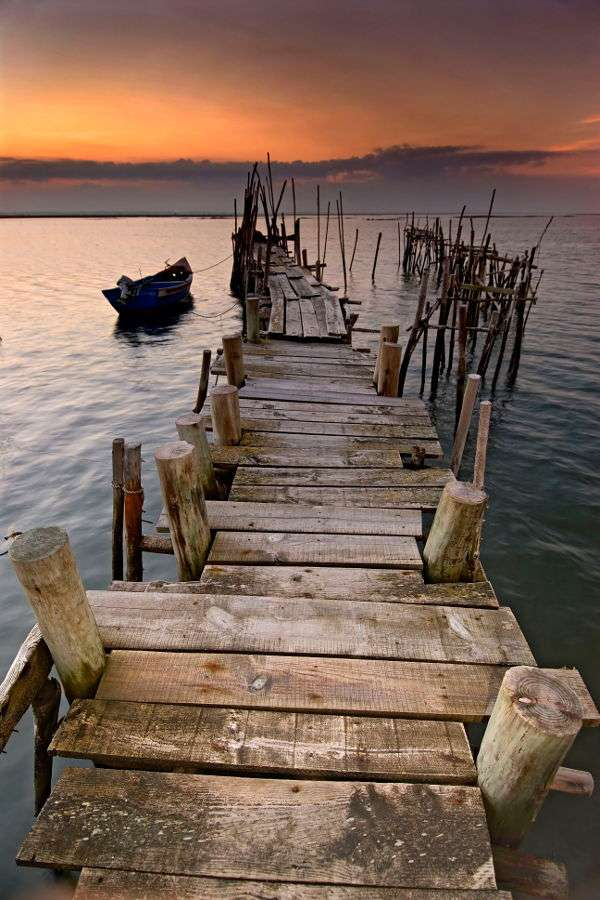 Sunset by the sea in Carrasqueira (Portugal)