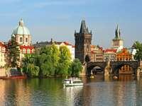 Karlsbron i Prag (Tjeckien)
