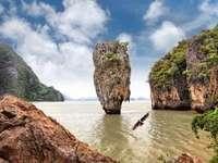 Ilha James Bond (Tailândia)