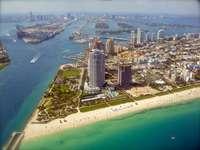 Pohled z ptačí perspektivy na Miami (USA)