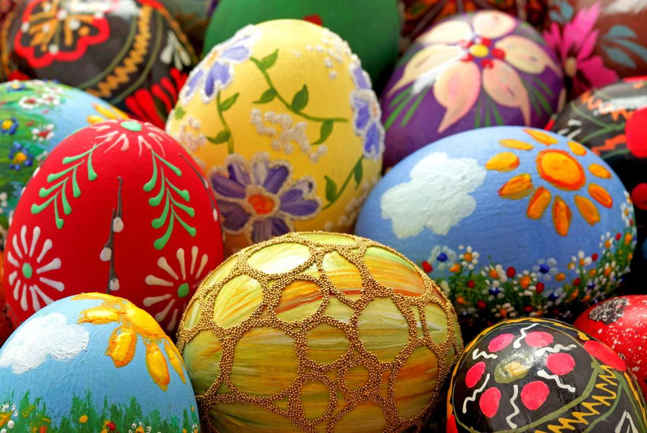Easter eggs - Easter eggs are most often decorated with the patterns inspired by nature – as it is the case in all decorations that originate from the folk culture. In some regions eggs' shells are covered by p (20×14)