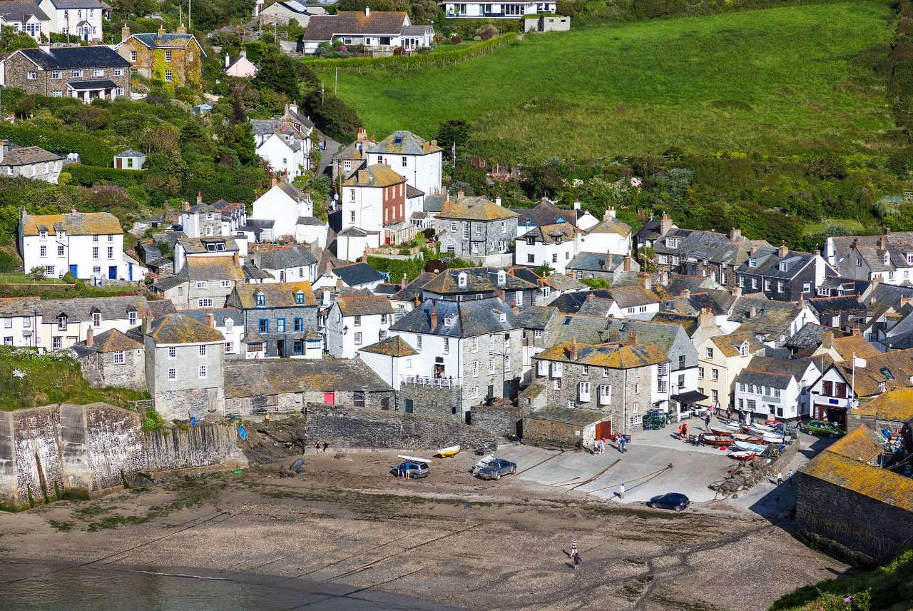 Port Isaac in Cornwall (United Kingdom) - Port Isaac is an old village located on the Atlantic coast. The majority of the buildings in the centre of the village date back to the 18th and 19th centuries. They are situated on green and very ste (10×7)