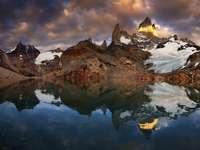 Mount Fitz Roy на лагуната De Los Tres (Аржентина)