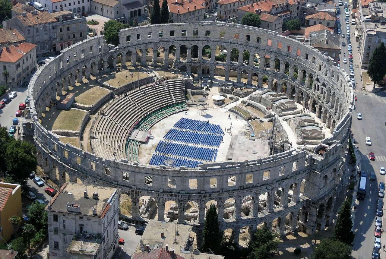 Roman amphitheatre in Pula (Croatia) online puzzle