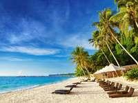 Beach on the island of Boracay (Philippines)