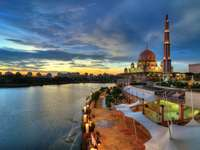 Putra Mosque in Putrajaya (Malaysia)