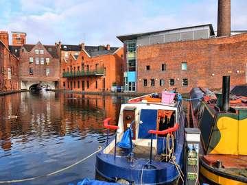 Gas Street canal in Birmingham (United Kingdom)