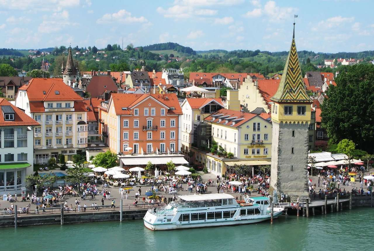 Port of Lindau (Germany) - Lindau is a town in Bavaria, in the south-western tip of Germany. The town is located on the shore of Lake Constance and its oldest part is situated on a small island. This distinctive location has in (12×5)
