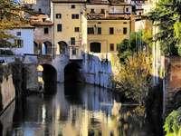 Mantua - una ciudad rodeada de lagos (Italia)
