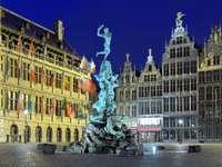 Brabo fontän i Antwerpen (Belgien) pussel