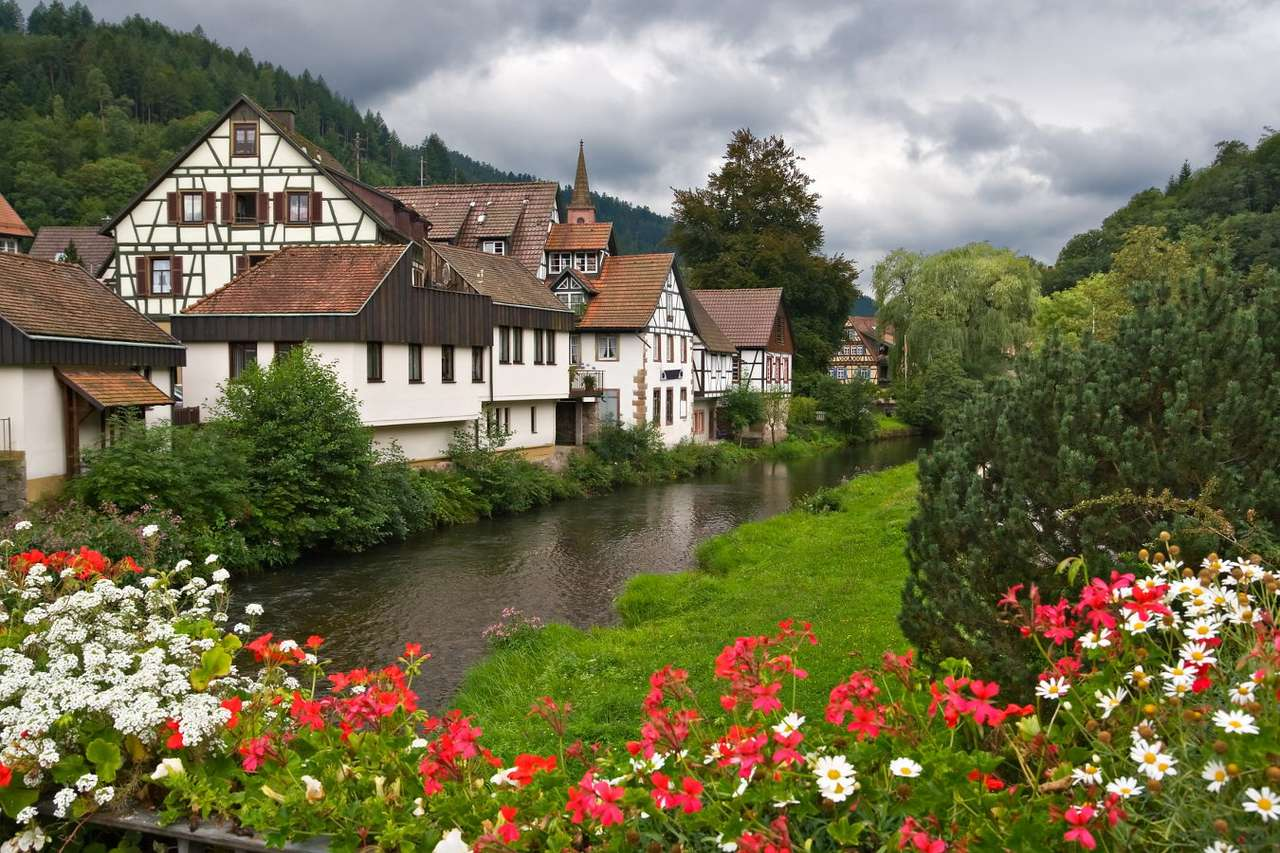 The town of Schiltach in the Black Forest (Germany) - Schiltach is a small town in south-eastern Germany. The town's origins date back to the 11th century, when the church had been built here for the peasants from the surrounding villages, nevertheless t (9×6)
