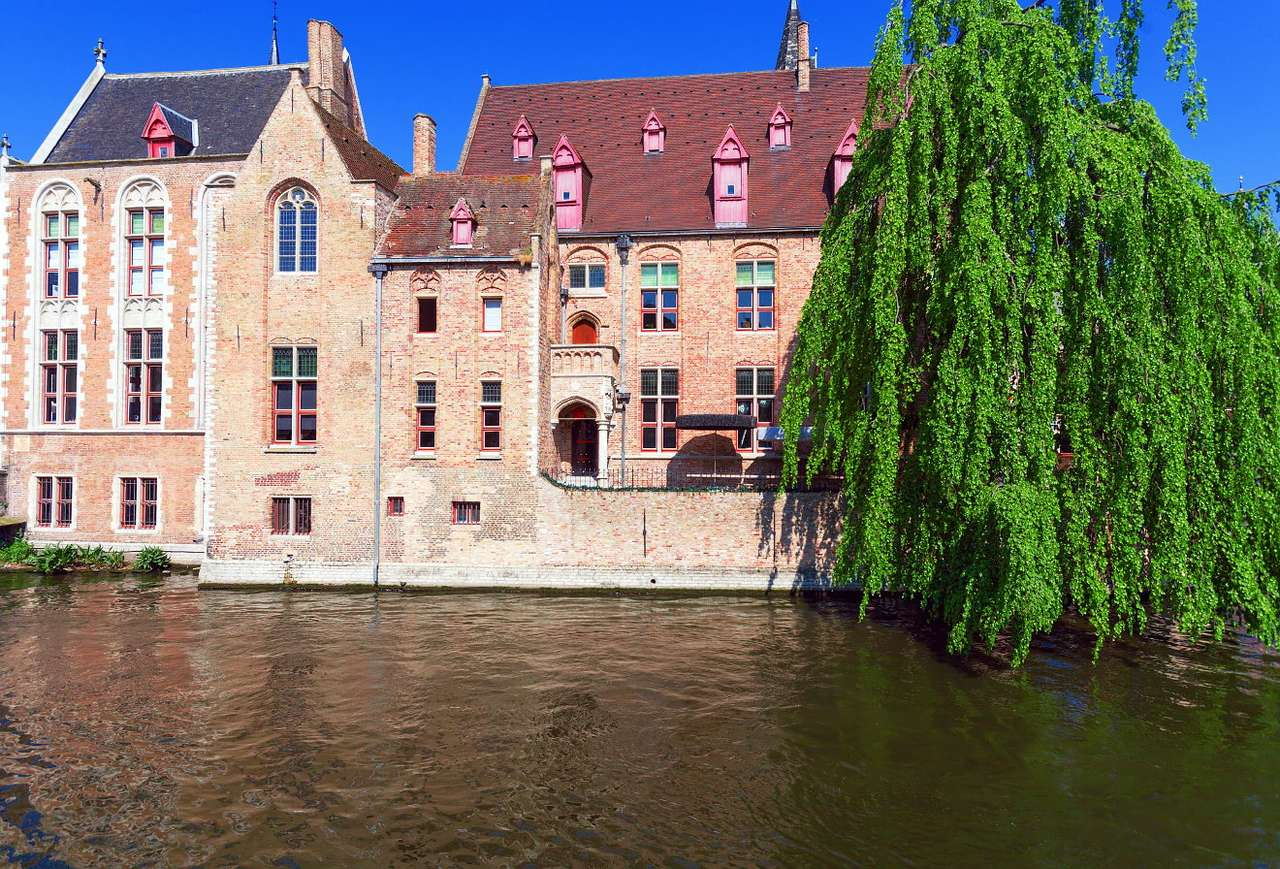 Dijver canal in Bruges (Belgium) - Bruges is known primarily for two specialties – beer and chocolate. It must be remembered that townspeople of Bruges would not be able to brew a great drink and produce sweet treats, if not for the (11×8)