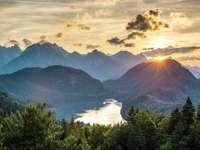 Jezero Alpsee v Bavorsku (Německo)