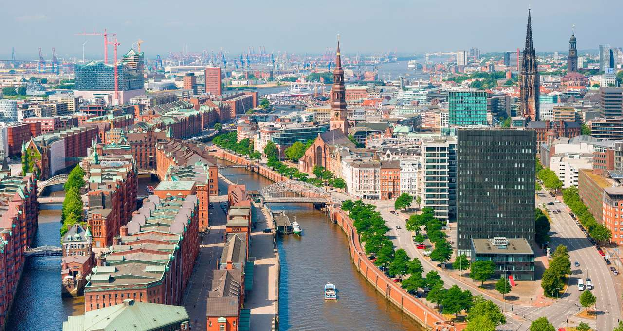 Port of Hamburg (Germany) - Hamburg is a large German city located in the north of the country. It is situated near the mouth of the Elbe River. For centuries Hamburg has been an important commercial and transshipment center. It (12×6)