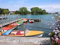 Barcos en el lago Tegernsee (Alemania)
