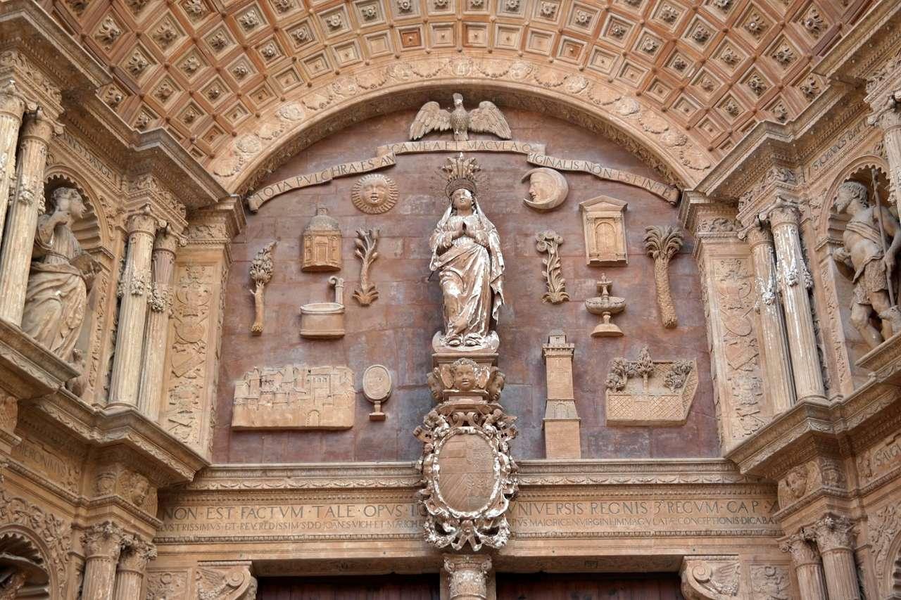 Particolare sopra l'ingresso alla Cattedrale di La Seu (Spagna) puzzle from photo
