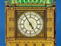 Mostrador do relógio na Elizabeth Tower (Reino Unido)