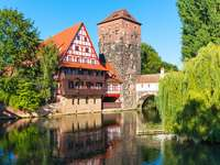 Edifício de enxaimel Weinstadel em Nuremberg (Alemanha)
