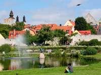 Aparcar en el centro de Visby (Suecia)