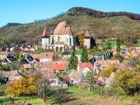 Opevněný kostel v Biertanu (Rumunsko)