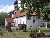 Church and cemetery in Nexø (Denmark)
